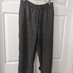 *Final price drop. No offers* Pretty fabric pants